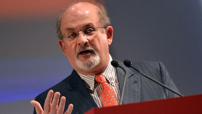 Der Iran trachtet Salman Rushdie nach dem Leben. Der in Indien geborene Brite lebt deshalb in den USA.