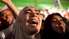 In Tunesien hatte 2011 der Arabische Frühling begonnen - und in einigen autoritär regierten Ländern die Hoffnung auf Freiheit und Demokratie geweckt. Anders als Syrien, das heute im Bürgerkrieg versinkt, hat sich diese Hoffnung in Tunesien erfüllt.