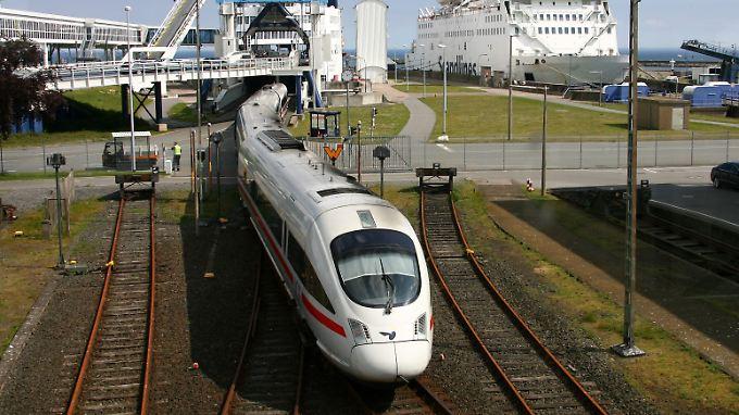 Fast jeder dritte Fernzug verspätet: Deutsche Bahn treibt Konzernumbau voran