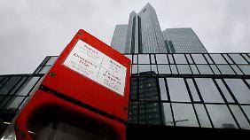 Mehrere Top-Manager verlieren Job: Cryan baut Deutsche Bank grundlegend um
