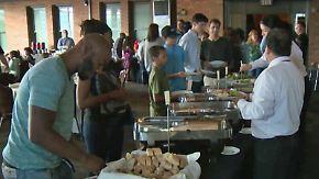 Rührende Geste der Brautmutter: Aus geplatzter Hochzeit wird Festmahl für Obdachlose