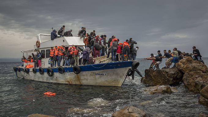 Griechenland braucht Hilfe, soviel ist sicher. Um die Rückführung von illegalen Migranten zu organisieren, braucht es Personal.