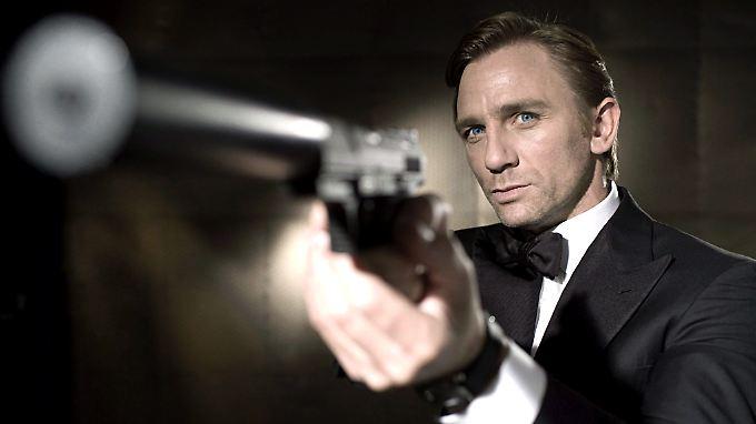 """Gibt er die Pistole aus der Hand? Daniel Craig muss sich entscheiden - für oder gegen """"007""""."""