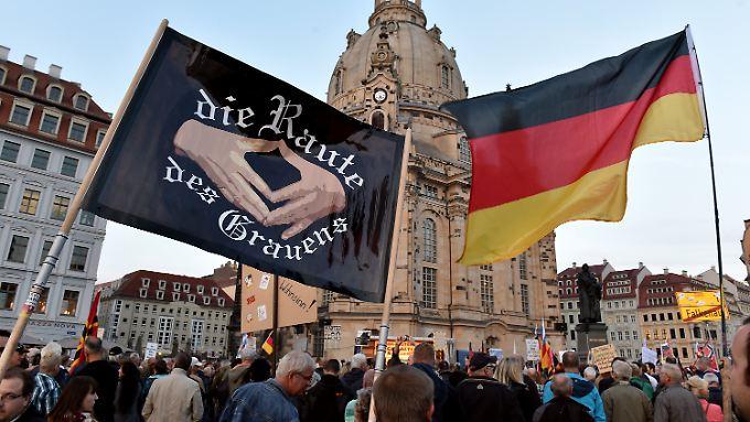 Die deutsche Kanzlerin ist nicht nur in Deutschland zur Hassfigur für selbsternannte Verteidiger des Abendlandes geworden.