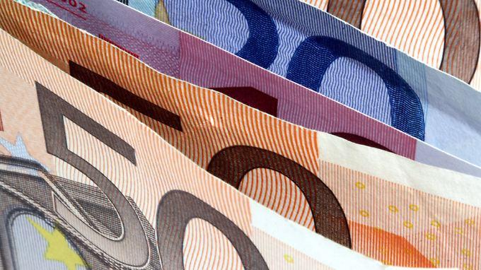 Gepaart mit einer niedrigen Inflation könnte sich durch die Lohnentwicklung ein deutliches Plus bei der Kaufkraft der Deutschen entwickeln.