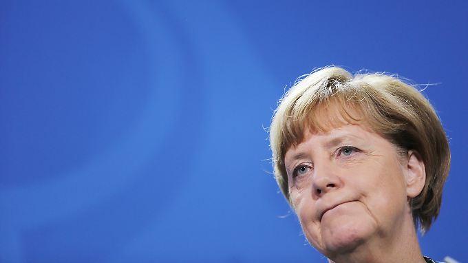 """Umstritten: Merkels Flüchtlingspolitik und ihr Satz """"Wir schaffen das""""."""