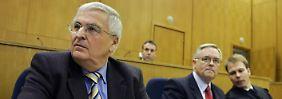 Sportausschuss lädt Niersbach ein: Sollte Zwanziger ausgeschlossen werden?