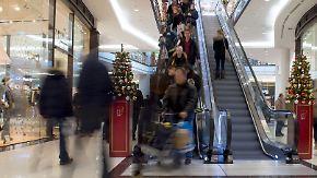 Preise steigen zur Weihnachtszeit: Experten raten zum vorzeitigen Geschenkekauf