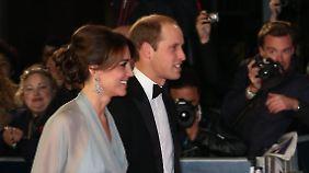 """Auch Prinz William und seine Frau Kate wollten den neuen """"Bond""""-Film sehen."""