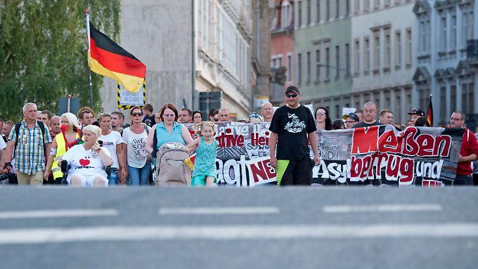 """Die """"Initiative Heimatschutz"""" bei einer Demonstration im August"""