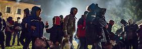 Spitzentreffen zur Flüchtlingskrise: Koalitionspartner kritisieren Populismus