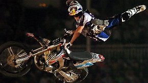 X-Fighter Welttour: Spektakuläres Finale beeindruckt Motocross-Fans