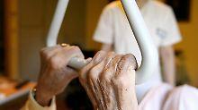 Studie offenbart Versorgungslücken: Jeder zweite Ältere stirbt im Krankenhaus