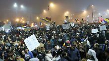 15.000 Menschen auf den Straßen: Rumänen fordern Ende der Korruption