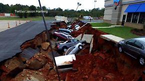Unglück in Mississippi: Riesige Erdspalte verschluckt 15 Autos