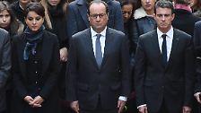Präsident François Hollande hielt sich mit Premierminister Manuel Valls an der Pariser Universität Sorbonne auf, ...