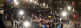 Trotz Anschlägen in Paris: Kaum mehr Zulauf für Pegida-Marsch