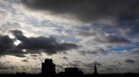 Dienstag verregnet, aber mild: Sturmnacht kündigt sich an