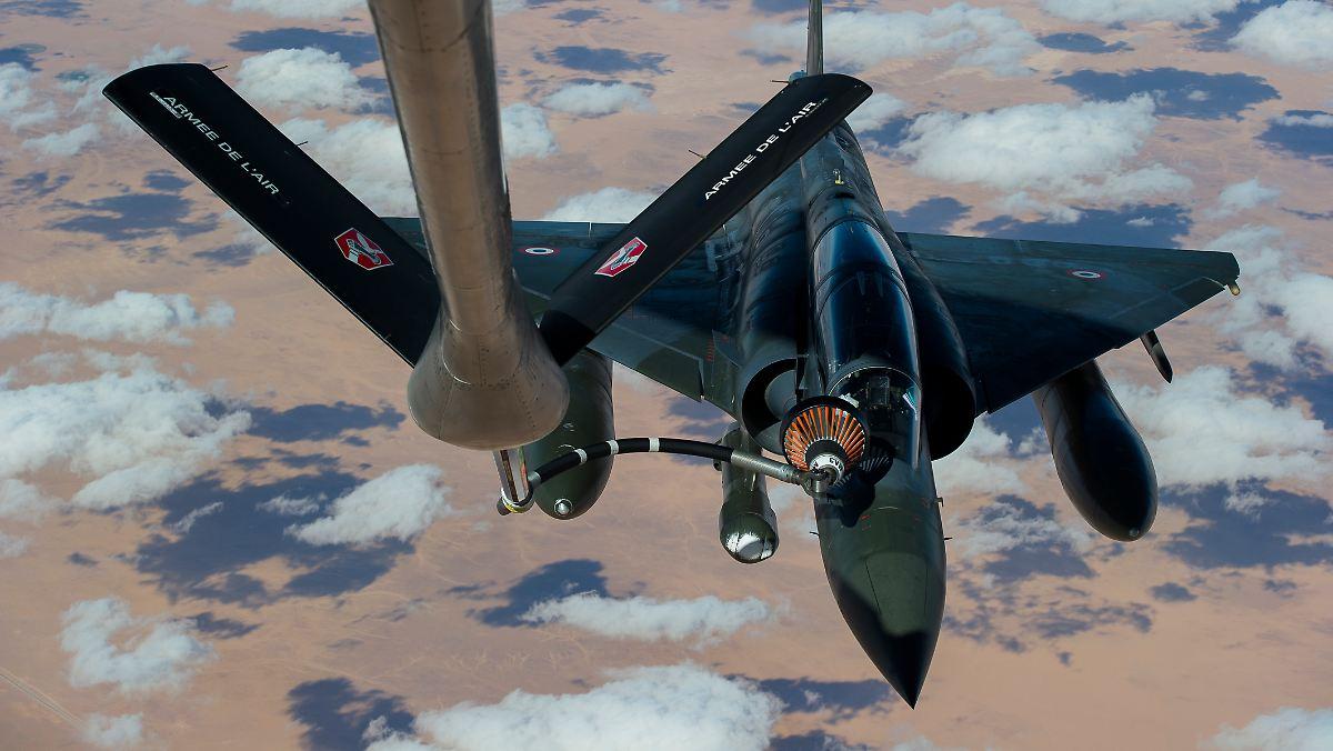 Frankreich weitet Angriffswelle in Syrien aus