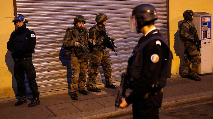 Explosion bei Anti-Terror-Einsatz: Zwei Menschen sterben bei Razzia in Pariser Vorort