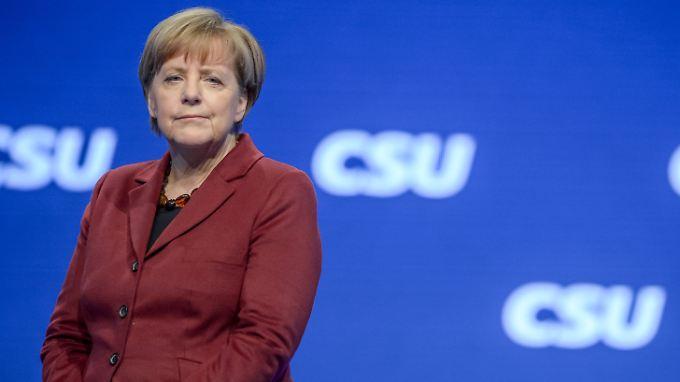 CDU-Chefin Angela Merkel geht auf Konfrontationskurs mit CSU-Chef Horst Seehofer.