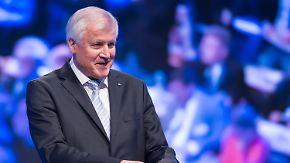 """""""Haben erstklassige Kanzlerin"""": CSU verpasst Seehofer bei Wiederwahl einen Dämpfer"""