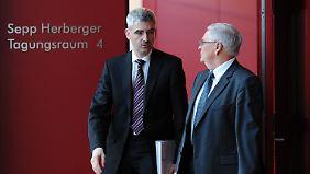 Stefan Hans (l.) streitet sich weiter mit dem DFB.