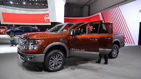 Natürlich haben auch die Japaner ihre nicht minder beliebten Pick-ups auf den Ständen. Bei Nissan zum Beispiel steht der Titan. Auf Wunsch auch mit Dieseltriebwerk.
