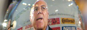 Schlüsselfigur in der WM-Affäre: Beckenbauer tritt freiwillig als TV-Experte ab