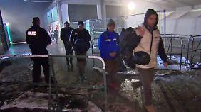 Winterfeste Unterkünfte benötigt: Strom der Flüchtlinge reißt nicht ab