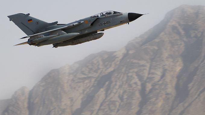 Auftrag Aufklärung: Bodentruppen oder ein direkter Kampfeinsatz in Syrien ist bislang tabu für die Bundeswehr.