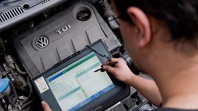 """""""Schwarzer Peter"""" für den Kunden: VWs Lösung für den Abgasskandal steht in der Kritik"""