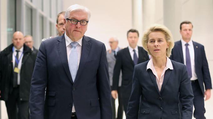 Wichtig und rechtlich gedeckt: Steinmeier und von der Leyen verteidigen den Bundeswehreinsatz gegen den IS