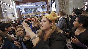 """Traditionelles Konsum-Spektakel: """"Black Friday"""" versetzt USA in kollektiven Kaufrausch"""