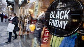 """Starke Konkurrenz aus dem Netz: Einzelhändler verlängern """"Black Friday""""-Rabatte"""