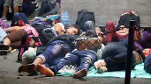 Flüchtlingsbewegung in die USA: Tausende Kubaner hängen an Grenze fest