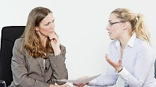 Am Verhandlungsgespräch sollten Mitarbeiter vor allem betonen, welchen Nutzen das Unternehmen von einem Zugeständnis hätte.