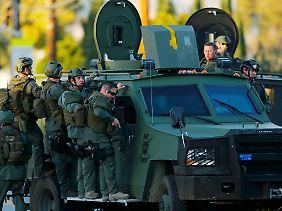 Die Polizei rückte mit schwerstem Gerät an. Vor laufenden Kameras entwickelte sich eine tödlich endende Verfolgungsjagd.