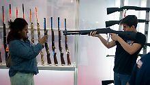 Bitte recht freundlich: Auf einer Waffenmesse in Texas.