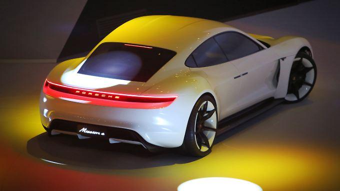 Notwendige Insvestitionen wurden bewilligt - zum Ende dieses Jahrzehnts will Porsche mit dem Bau des Elektroautos beginnen.