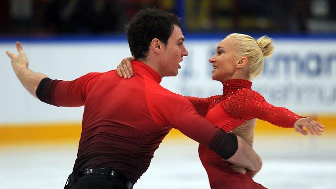 Aljona Savchenko und ihr neuer Partner Bruno Massot.