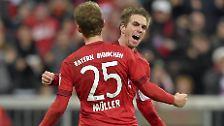 """""""Da muss schon viel zusammen ... Mit links darf man den Philipp im Strafraum einfach nicht schießen lassen."""" (Bayern-Profi Thomas Müller über das erste Saisontor von Philipp Lahm)"""