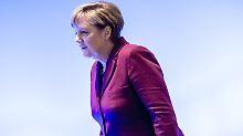 CDU-Parteitag in Karlsruhe: Merkel kommt mit Gürtel und Hosenträgern
