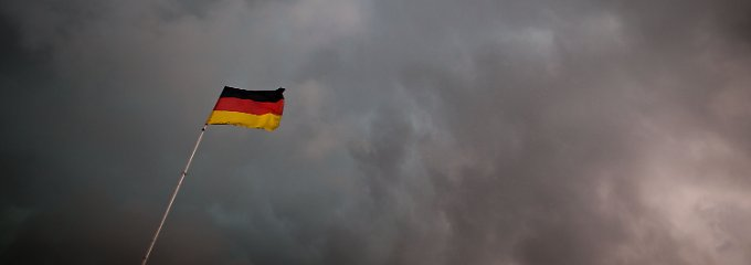 Viele Deutsche befürchten für das kommende Jahr düstere Aussichten.