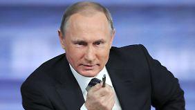 Wirtschaftskrise, USA, Syrien, ...: Putin stellt sich Fragen von Journalisten und Bürgern