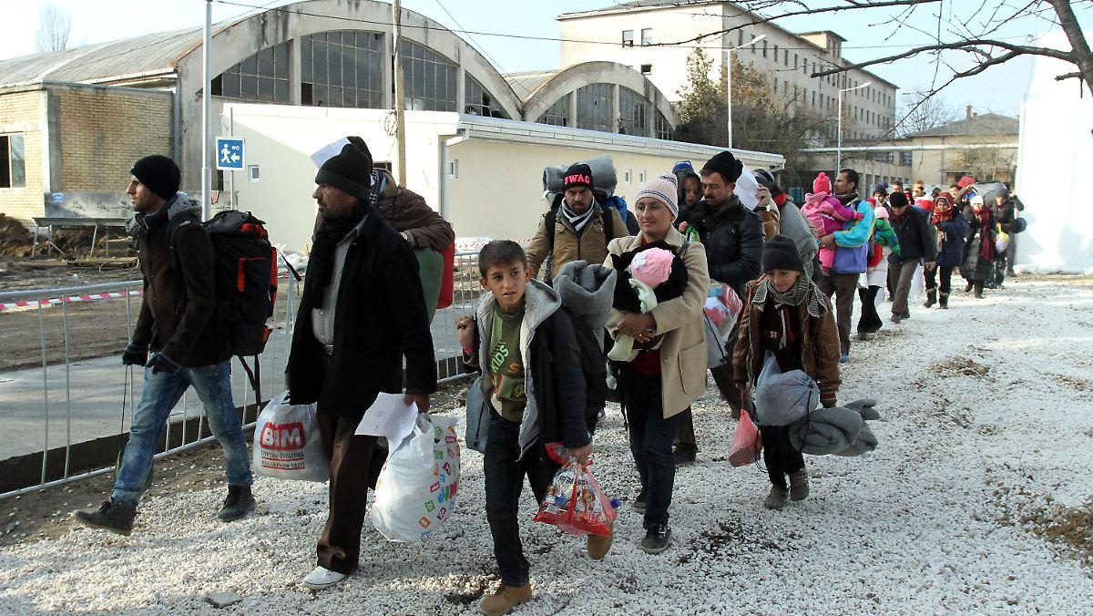 Syrer sollen wieder einzeln überprüft werden