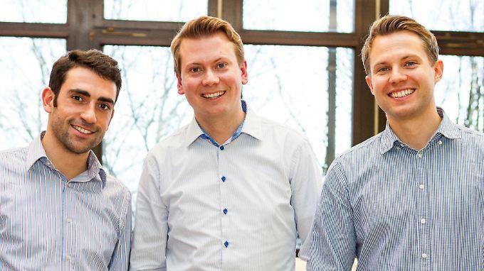 """Michael Taheri, Patrick Krell und Patrick Pfäffle ließen sich von Martin Hebler bei der Gründung beraten und sind heute stolze Geschäftsführer von """"Liwo"""", einem alternativen Erfrischungsgetränk."""