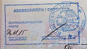 Rund 70 Prozent mehr als 2014: Zahl der Abschiebungen aus Deutschland steigt deutlich