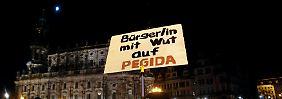 """""""Herz statt Hetze"""": Tausende gehen gegen Pegida-Singen auf die Straße"""
