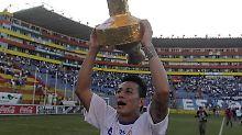 Glücklichere Zeiten: Pacheco 2011 nach dem Gewinn des Apertura Cups